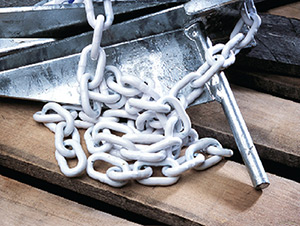 Coated chain with two shackles